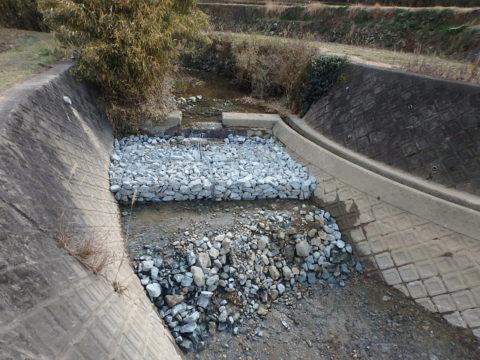 開花川河床修繕工事
